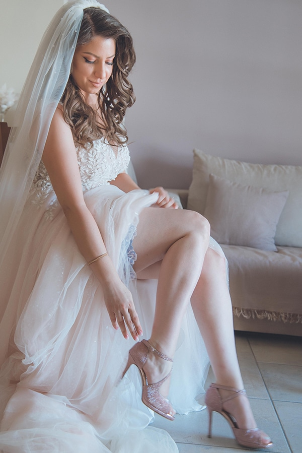 summer-wedding-pyrgos-petreza-protea-pink-mint-hues_05