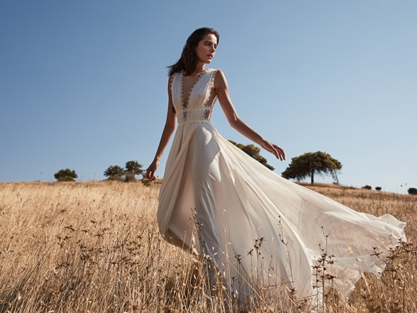ultra-stylish-wedding-dresses-costarellos_01