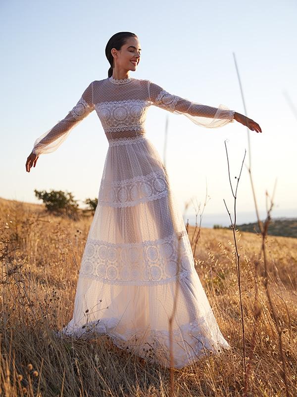 ultra-stylish-wedding-dresses-costarellos_04
