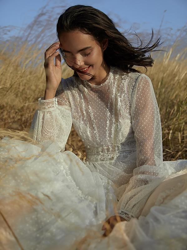 ultra-stylish-wedding-dresses-costarellos_08