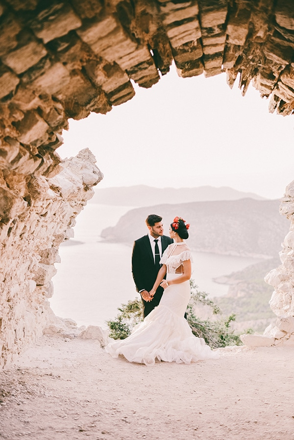 beautiful-summer-wedding-karpathos-traditional-elements_16