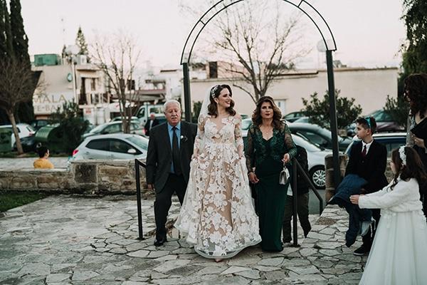 beautiful-winter-wedding-larnaca-warm-hues_15