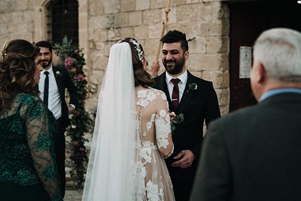 beautiful-winter-wedding-larnaca-warm-hues_16