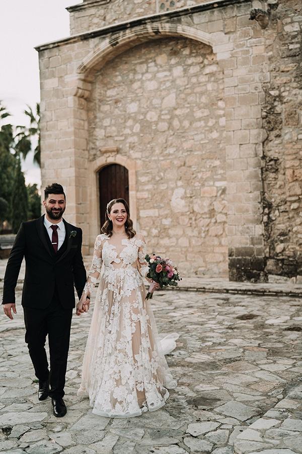 beautiful-winter-wedding-larnaca-warm-hues_17