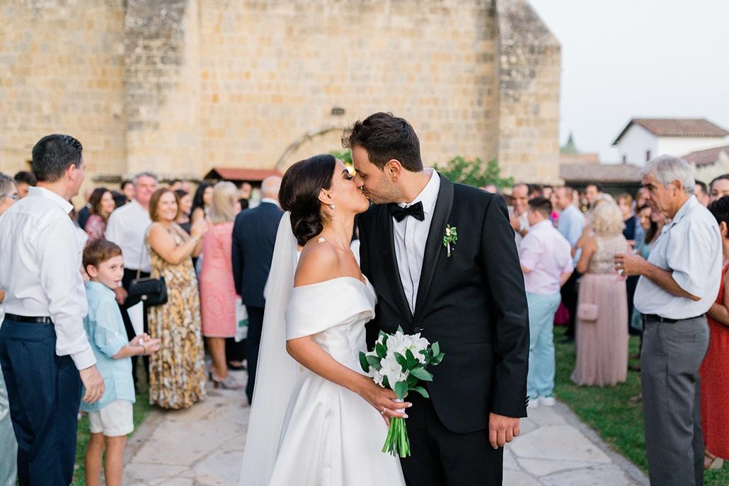 Elegant καλοκαιρινός γάμος στην Λευκωσία σε λευκές και πράσινες αποχρώσεις │ Άντρια & Αντρέας