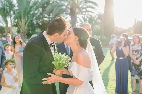 elegant-summer-wedding-nicosia-white-green-hues_21