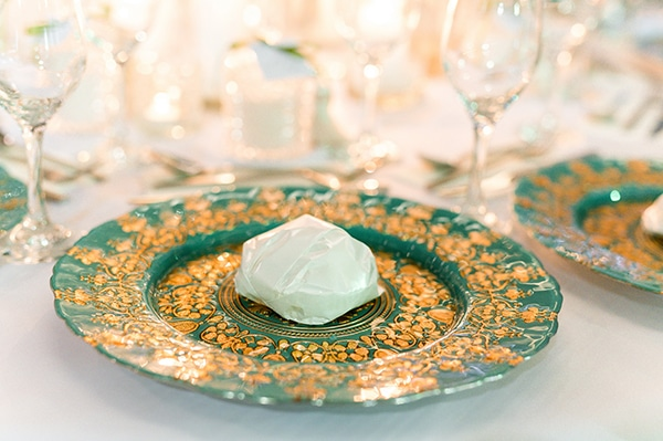elegant-summer-wedding-nicosia-white-green-hues_27