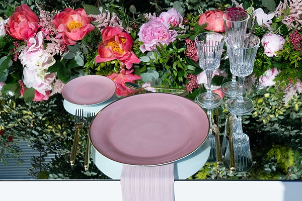 luxurious-wedding-decoration-ideas-mirrors-dusty-pink-hues_02