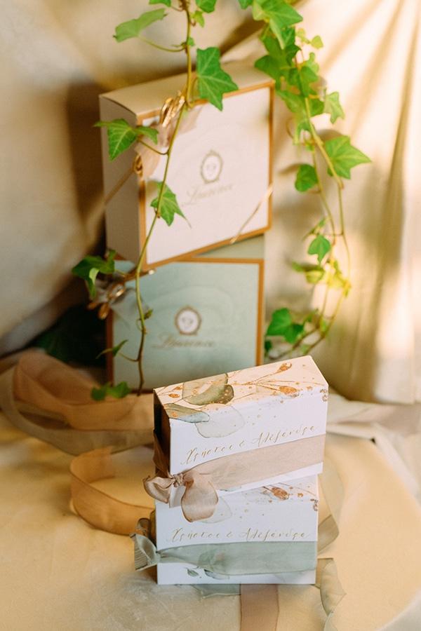Όμορφα κουτάκια για μπομπονιέρες με κορδέλα