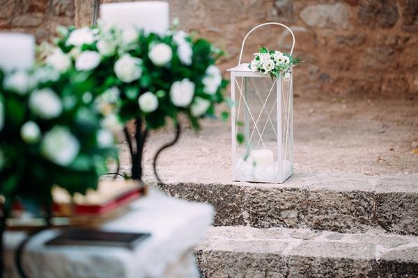 minimal-chic-fall-wedding-athens-white-roses-peonies_08