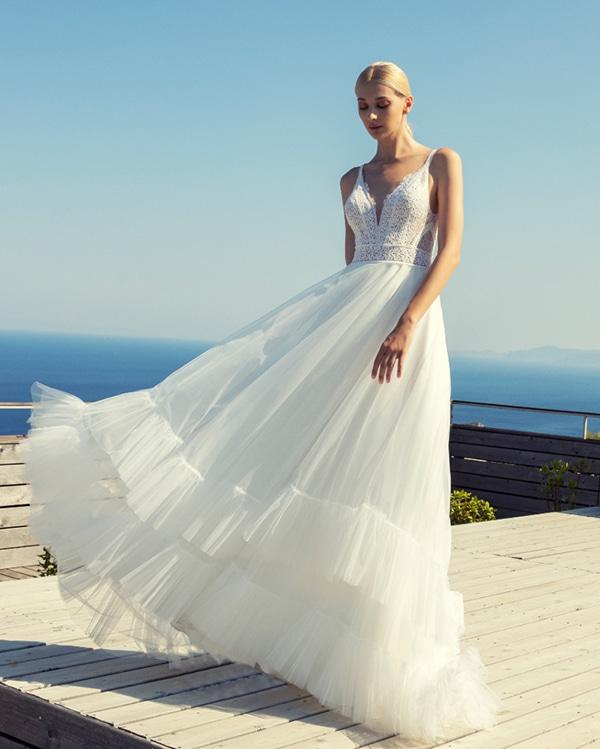 modern-bridal-creations-dreamy-bridal-look_02x