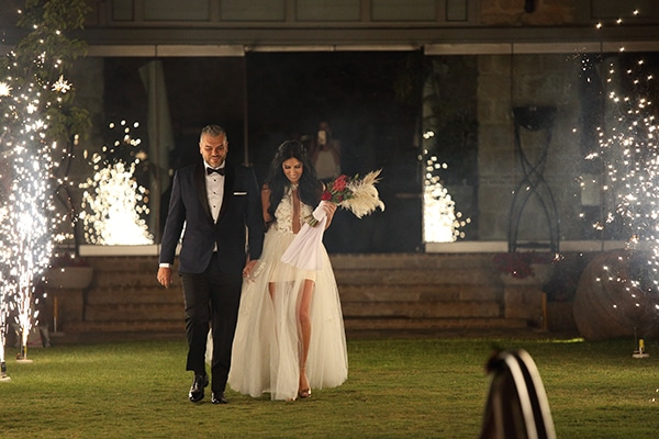 Μοντερνος καλοκαιρινος γαμος στο Μουσειο Οινου │ Κελλυ & Λαμπρος