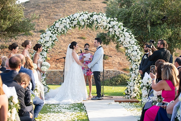 outdoor-summer-wedding-athens-most-romantic-details_22