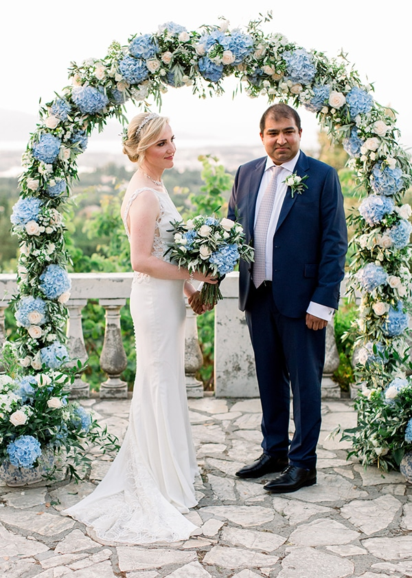 romantic-wedding-corfu-dusty-blue-hues-elegant-touches_10