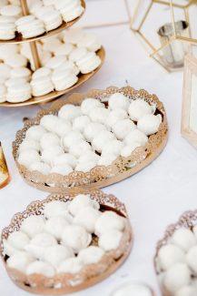 Elegant στολισμος dessert table γαμου