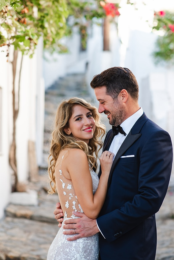 beautiful-summer-wedding-athens-romantic-florals_01x