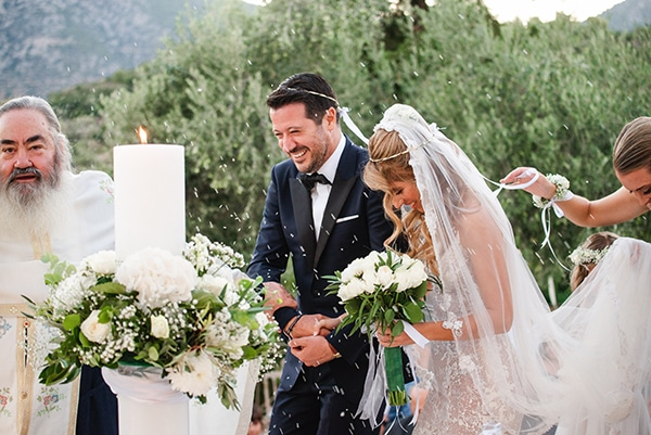 beautiful-summer-wedding-athens-romantic-florals_16