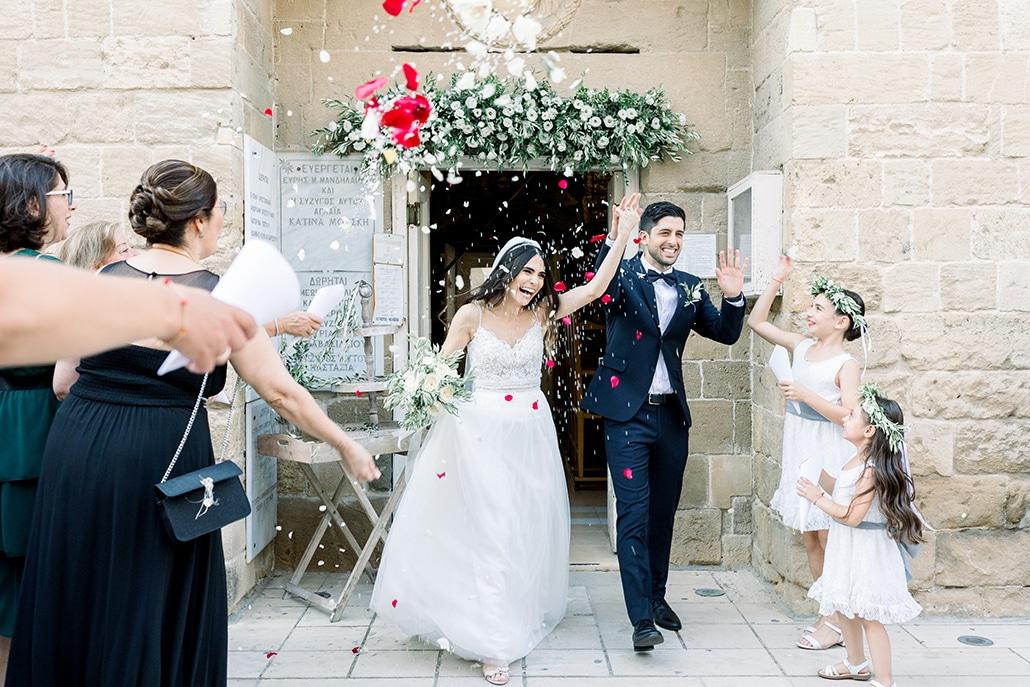 Υπέροχος καλοκαιρινός γάμος στη Λευκωσία με ελιά και λευκά τριαντάφυλλα │ Maria & Alex