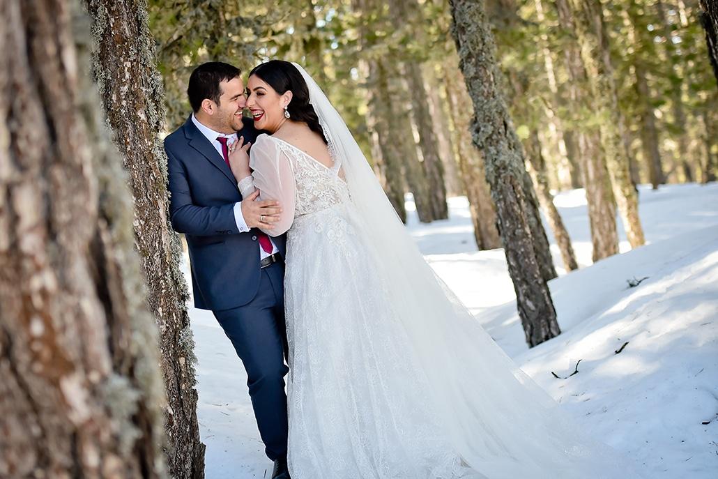 Όμορφος χειμωνιάτικος γάμο στη Λάρνακα με πινελιές του μπορντό │Έλενα & Μένοικος