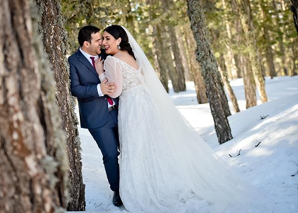 beautiful-winter-wedding-larnaca-burgundy-hues_01