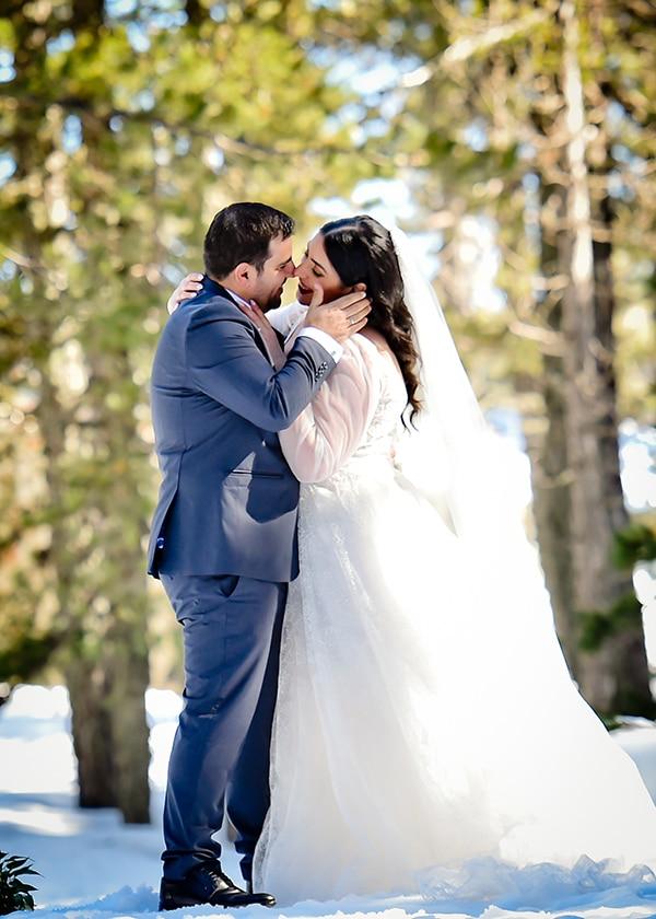 beautiful-winter-wedding-larnaca-burgundy-hues_01x