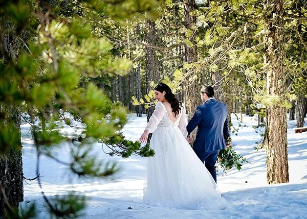 beautiful-winter-wedding-larnaca-burgundy-hues_02