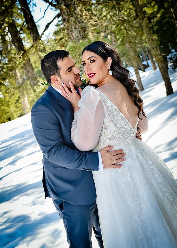 beautiful-winter-wedding-larnaca-burgundy-hues_02x