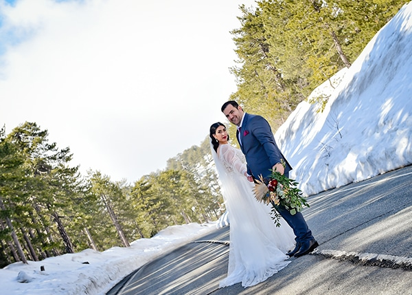 beautiful-winter-wedding-larnaca-burgundy-hues_03