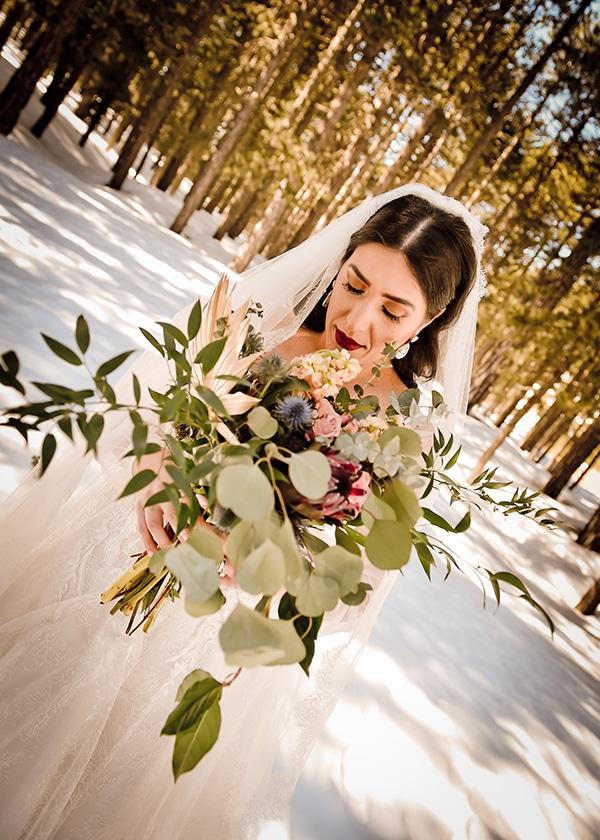 beautiful-winter-wedding-larnaca-burgundy-hues_03x