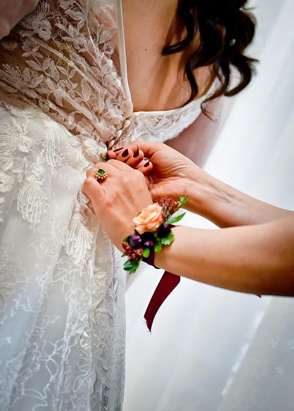 beautiful-winter-wedding-larnaca-burgundy-hues_07