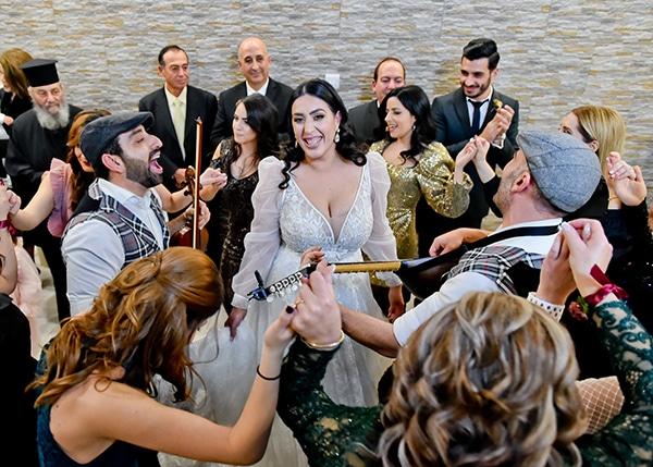 beautiful-winter-wedding-larnaca-burgundy-hues_08