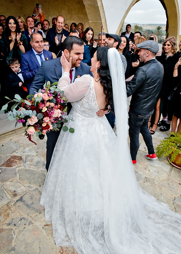 beautiful-winter-wedding-larnaca-burgundy-hues_09x