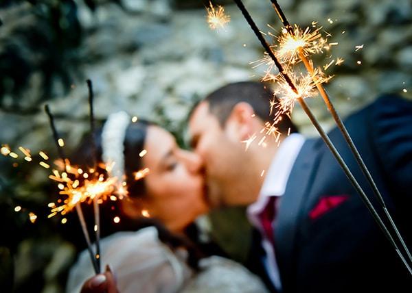 beautiful-winter-wedding-larnaca-burgundy-hues_23x