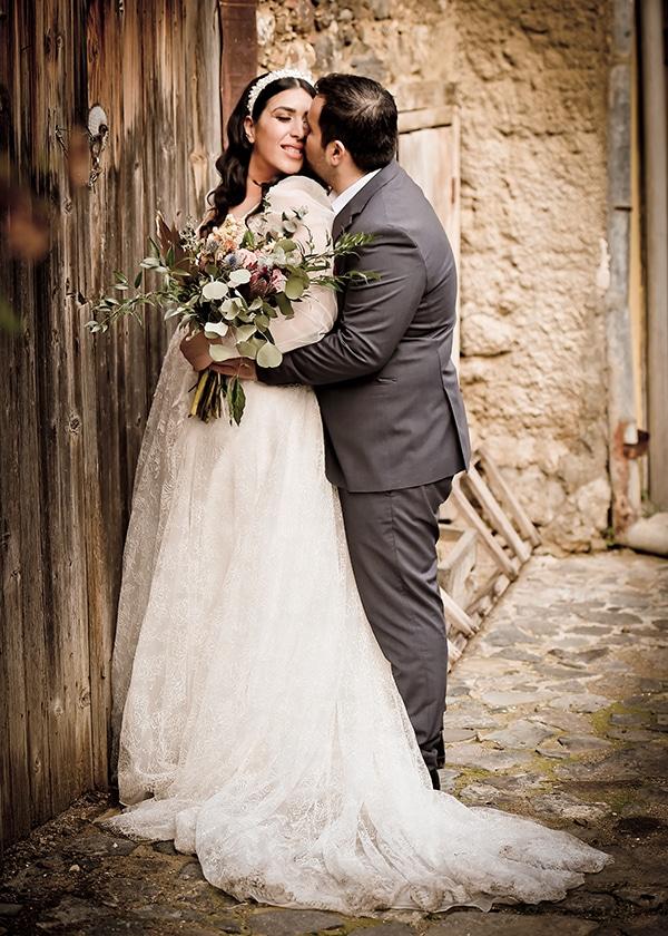 beautiful-winter-wedding-larnaca-burgundy-hues_24