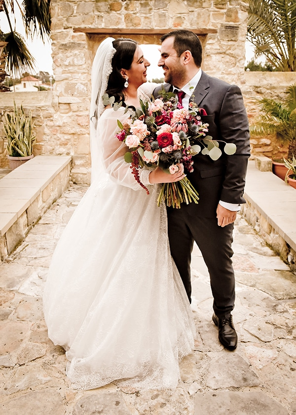 beautiful-winter-wedding-larnaca-burgundy-hues_24x