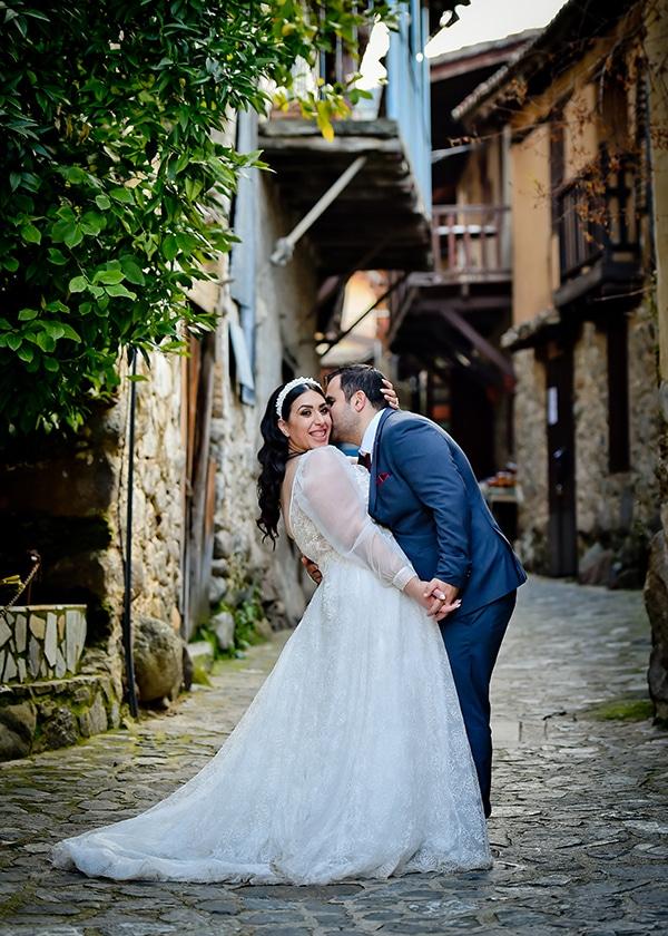 beautiful-winter-wedding-larnaca-burgundy-hues_26