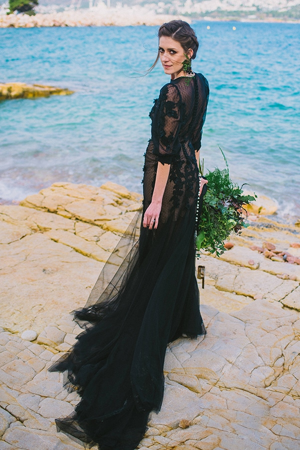boho-elopement-black-white-setting-macrame-creations_03x