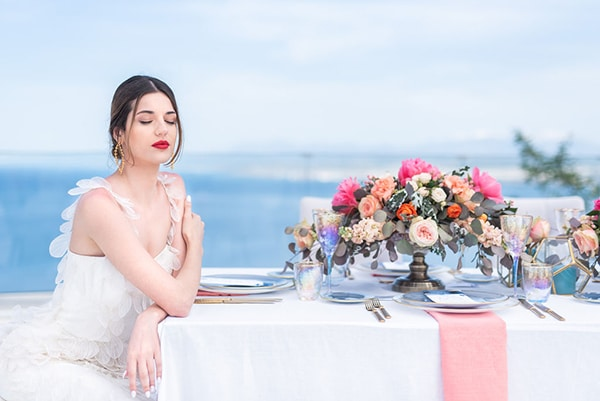 dreamy-greek-seafoam-inspired-styled-shoot-magical-view_01