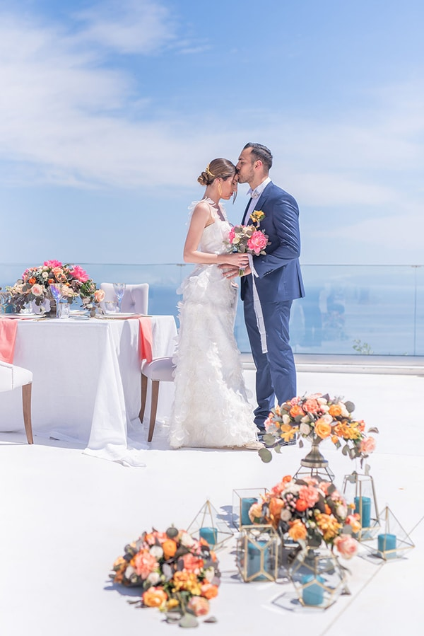 dreamy-greek-seafoam-inspired-styled-shoot-magical-view_01x