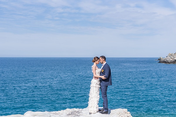 dreamy-greek-seafoam-inspired-styled-shoot-magical-view_20