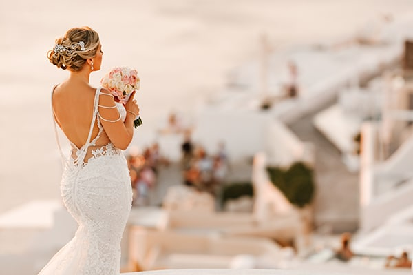 glamorous-summer-wedding-santorini-pastel-hues_21x
