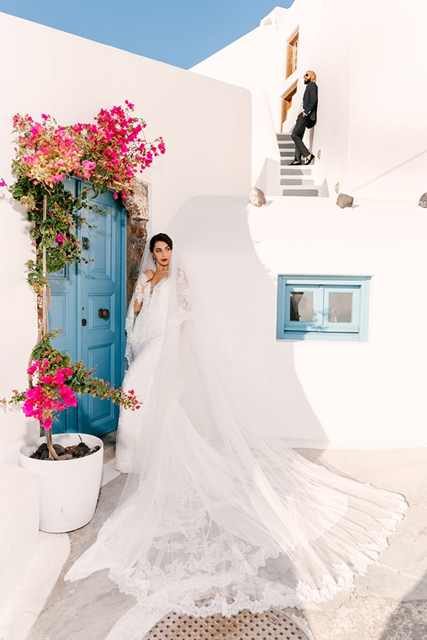 montern-elegant-wedding-santorini-inspiring-wedding-decoration-ideas_02x