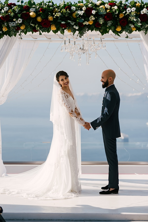 montern-elegant-wedding-santorini-inspiring-wedding-decoration-ideas_27