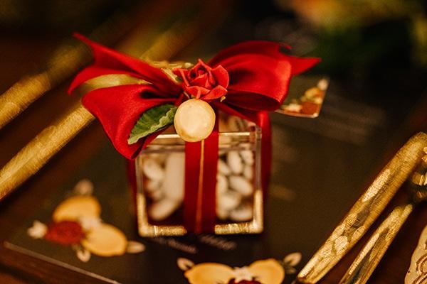 montern-elegant-wedding-santorini-inspiring-wedding-decoration-ideas_32