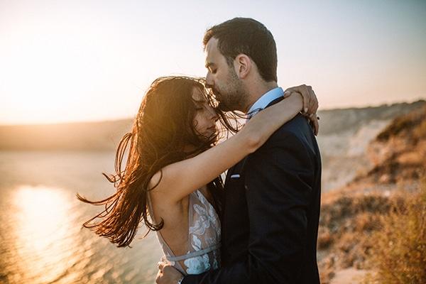 Ρομαντικός φθινοπωρινός γάμος στη Λευκωσία με πινελιές του μωβ │ Ραφαέλλα & Κυριάκος