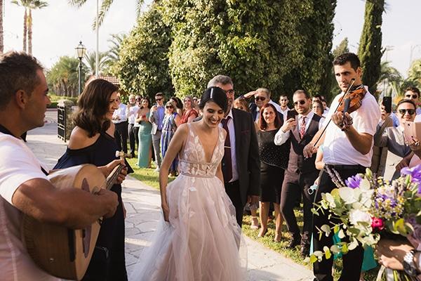 romantic-fall-wedding-nicosia-llilac-touches_11