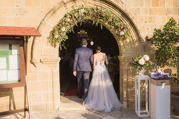 romantic-fall-wedding-nicosia-llilac-touches_14x