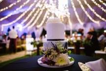 Υπεροχη τουρτα γαμου με μοντερνο design