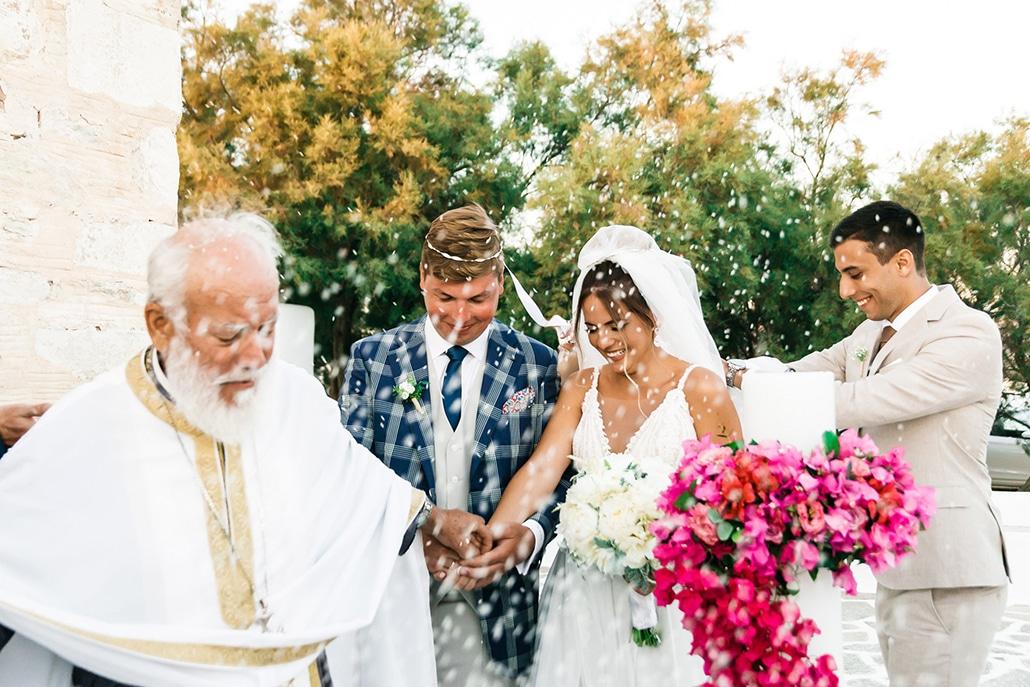 Ρομαντικός καλοκαιρινός γάμος στην Πάρο με μπουκαμβίλια και μπλε λεπτομέρειες │ Αναστασία & Maurice