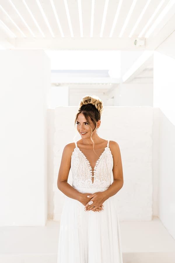 romantic-summer-wedding-paros-bugambilia-blue-details_07x